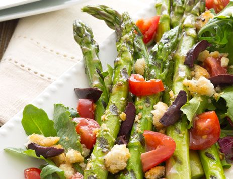 Mixed Greens with Grilled Asparagus
