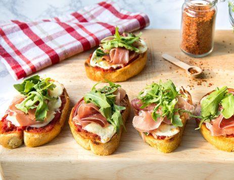 Mini Pizzas With Prosciutto