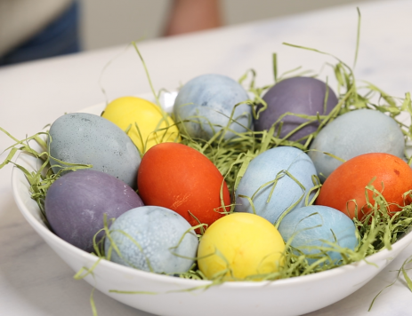 DIY: All-Natural Easter Egg Dyes